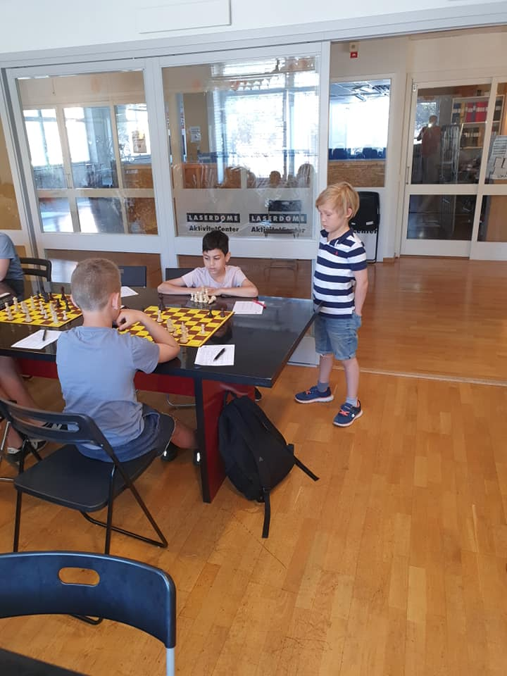 4Springare International chess camp. Day 2.